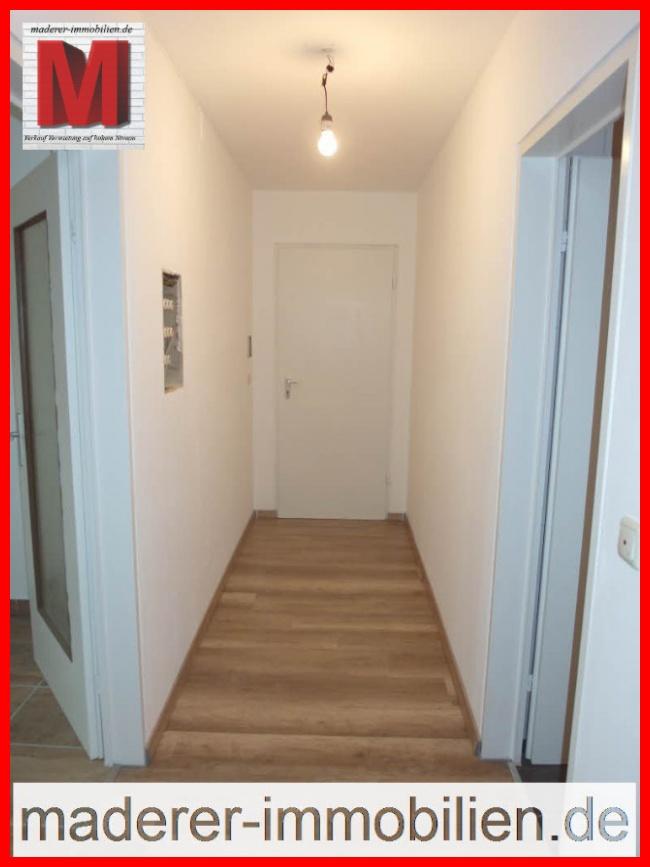 flur pic1 der hochwertigen 1 zimmerwohnung mit balkon in 90765 f rth roseggerstra e regs80. Black Bedroom Furniture Sets. Home Design Ideas