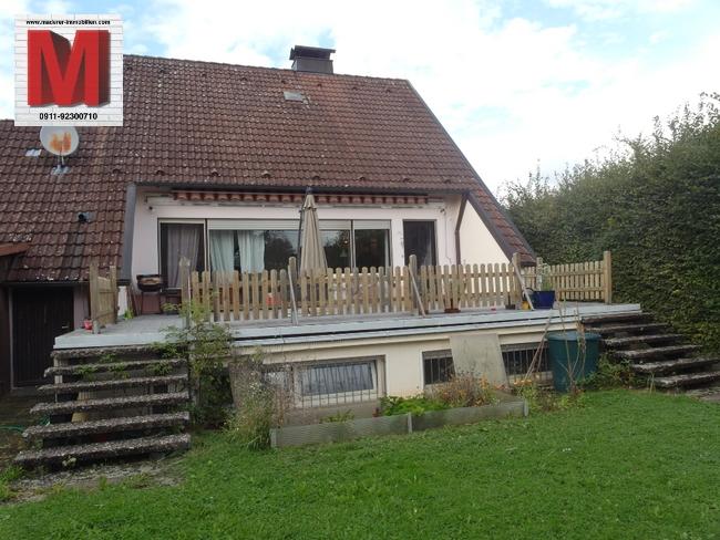 einfamilienhaus in altdorf bei nuernberg hausansicht vom. Black Bedroom Furniture Sets. Home Design Ideas