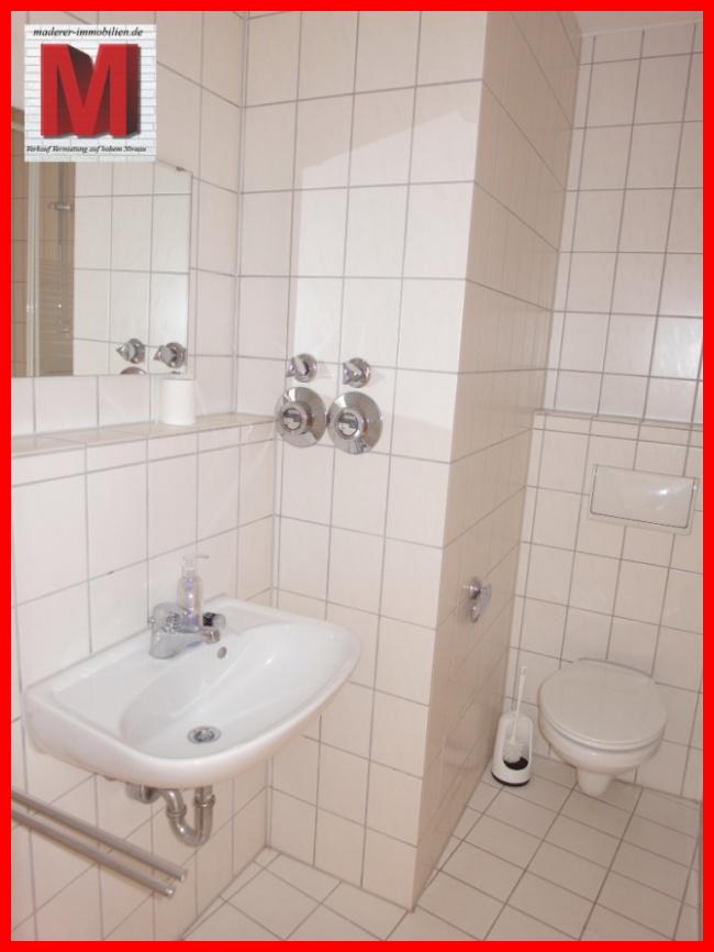 badezimmer pic2 der 1 zimmerwohnung in 90478 nuernberg. Black Bedroom Furniture Sets. Home Design Ideas